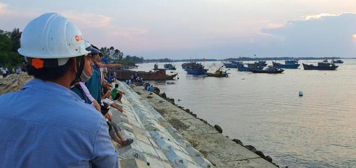 Đoạn sông Thu Bồn, nơi lật thuyền khiến 5 người mất tích. (Ảnh qua giadinh)