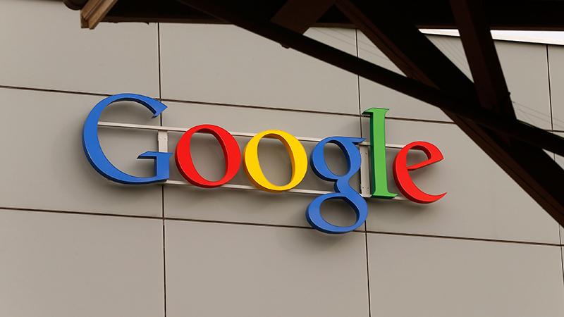 Theo đơn kiện, Google đã cài đặt phần mềm di động để lừa dối chủ sở hữu thiết bị về các biện pháp bảo vệ thông tin cá nhân của họ.