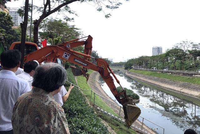 TP. Hà Nội chính thức động thổ gói thầu đào cống ngầm dẫn nước thải từ Cầu Giấy về trạm xử lý nước thải dưới Thanh Trì. (Ảnh qua dantri)