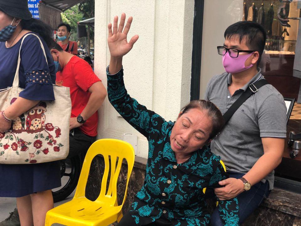 Hơn 12 năm kêu oan, mẹ của Hồ Duy Hải gào khóc khi nghe con trai y án tử.