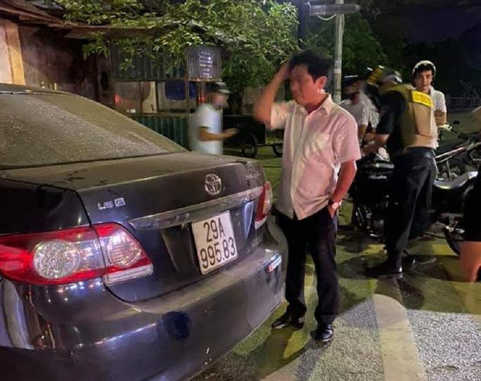 Hình ảnh được cho là ông Nguyễn Văn Điều sau khi xảy ra vụ tai nạn khiến 3 người thương vong. (Ảnh qua nld)