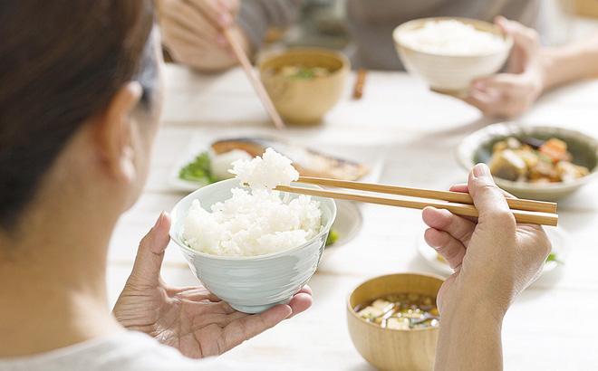 Bữa tối có thể thực sự quyết định cân nặng và tuổi thọ?