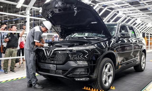 Nắm bắt cơ hội, VN giảm 50% lệ phí trước bạ cho ô tô lắp ráp trong nước - Ảnh 1
