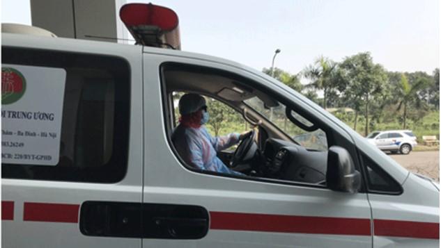 Xe chuyên dụng vận chuyển bệnh nhân nhiễm virus Vũ Hán (Covid-19). (Ảnh qua thanhnien)