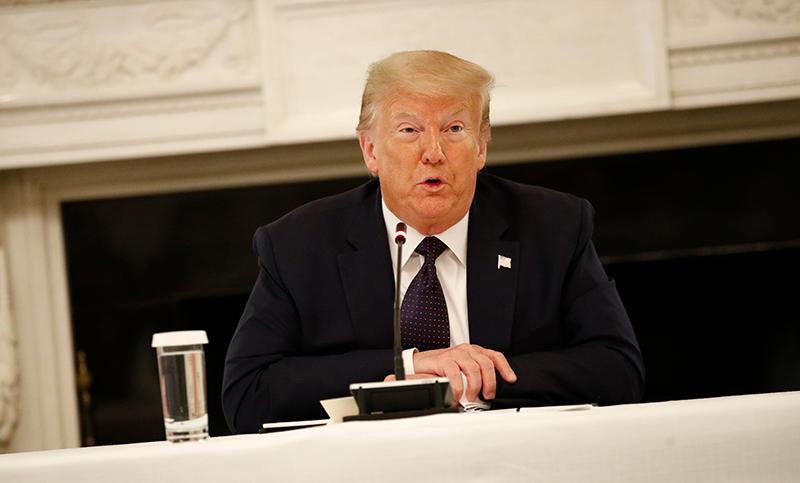 Tổng thống Trump hôm 8/6 tuyên bố sẽ không có việc cắt giảm ngân sách và giải tán cảnh sát.