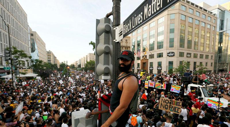 Làn sóng biểu tình lan rộng hơn 100 thành phố tại Mỹ.