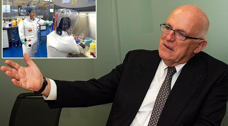 """Richard Dearlove - cựu Giám đốc Cơ quan Tình báo Bí mật Anh (MI6) đã phát hiện một báo cáo khoa học """"quan trọng"""" mới chứng minh virus là do các nhà khoa học Trung Quốc tạo ra."""