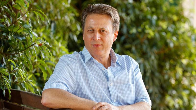 Nikolai Petrovsky, giáo sư tại Viện Y học thuộc trường Đại học Flinder Úc,