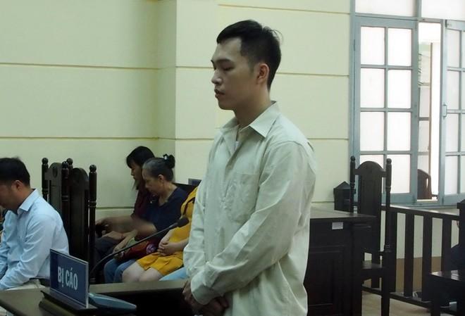 Bị cáo Đặng Quang Nhật tại phiên xét xử. (Ảnh qua thanhnien)
