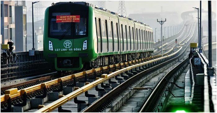 Dự án đường sắt Cát Linh - Hà Đông đã lỡ hẹn 10 năm, đội vốn gấp 3 lần nhưng vẫn chưa biết khi nào mới có thể vận hành.