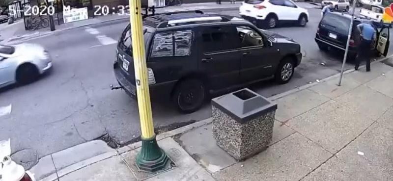 chiếc xe đã ghi lại toàn bộ sự việc diễn ra.