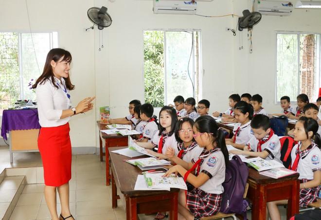 Giáo viên TP. Vinh trong một giờ giảng dạy. (Ảnh qua thanhnien)
