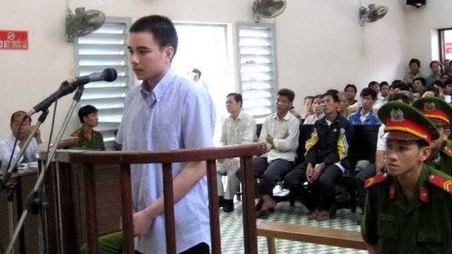 Hồ Duy Hải trong một phiên tòa. (Ảnh qua BBC)
