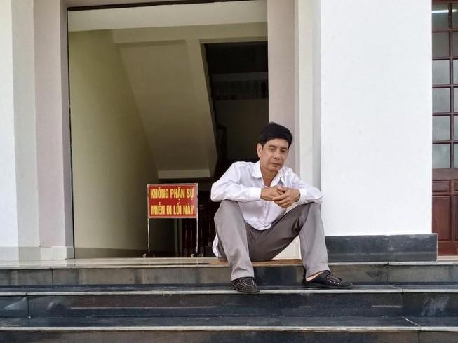Trước khi nhảy lầu tự tử, ông Lương Hữu Phước vẫn luôn kêu oan. (Ảnh qua PLO)