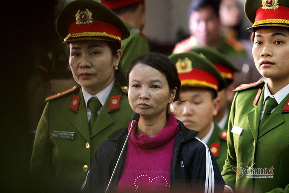 Bị cáo Trần Thị Hiền, mẹ của nữ sinh giao gà liên tục kêu oan. (Ảnh qua vietnamnet)