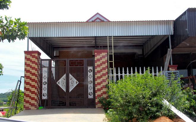 Ngôi nhà của một hộ cận nghèo tại xóm Quỳnh 2, xã Châu Bình. (Ảnh qua giadinh)