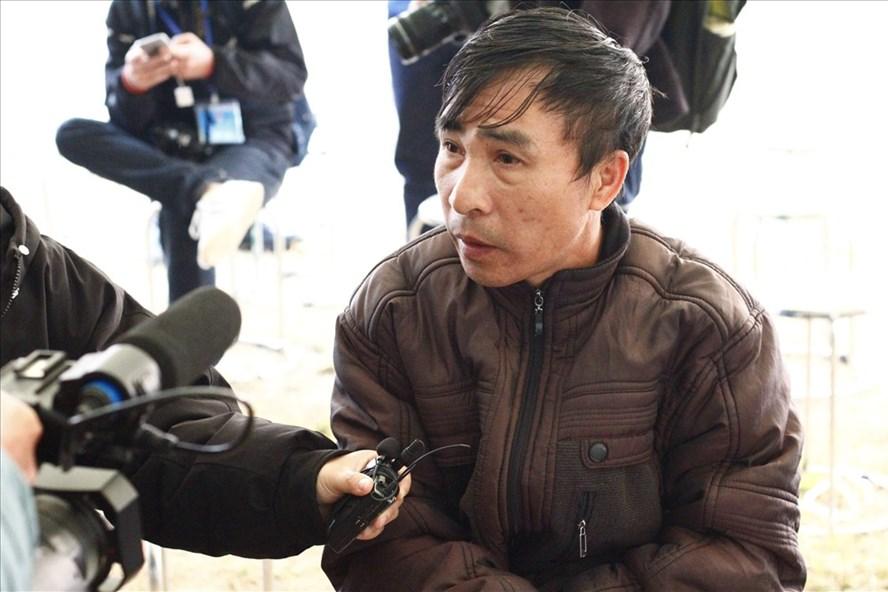 Ông Cao Văn Hường, bố đẻ của nữ sinh giao gà Cao Mỹ Duyên. (Ảnh qua laodong)