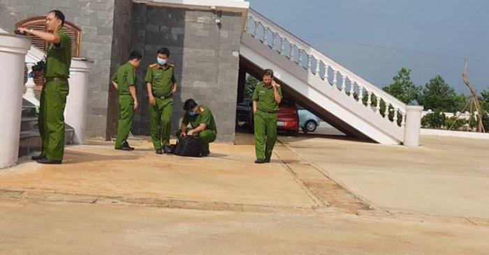 Hiện trường xảy ra vụ nhảy lầu tự tử tại trụ sở TAND tỉnh Bình Phước. (Ảnh qua thanhnien)