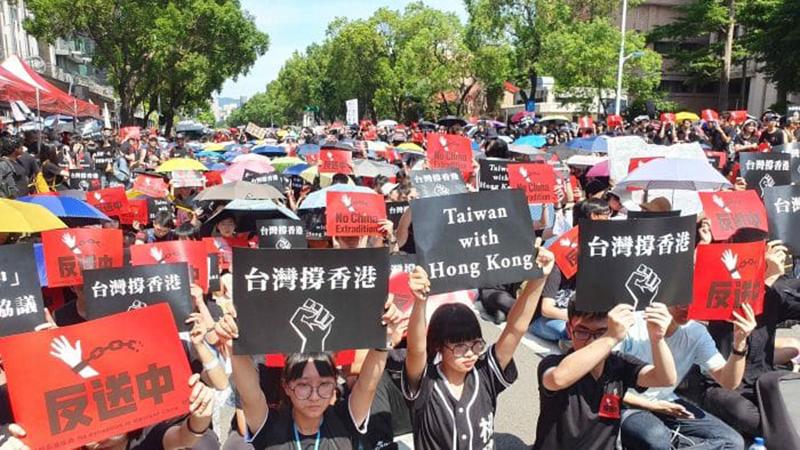 Người Đài Loan biểu tình ủng hộ Hồng Kông chống luật dẫn độ về Trung Quốc
