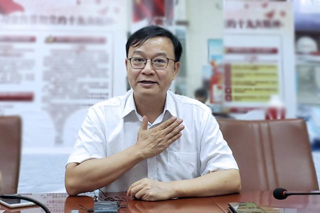 ông Đường Hồng, Giám đốc Tổng thầu Trung Quốc dự án đường sắt Cát Linh – Hà Đông. (Ảnh qua vietnamnet)