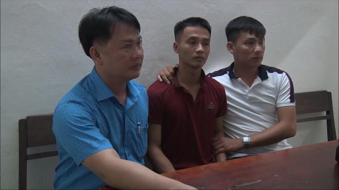 Phạm nhân trốn trại Triệu Quân Sự tại cơ quan công an. (Ảnh qua thanhnien)