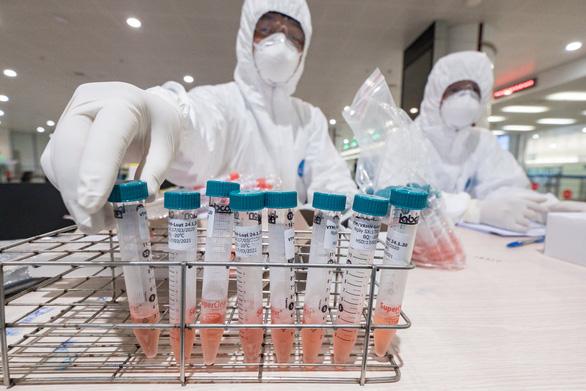 Thêm 7 ca mới nhiễm virus Vũ Hán đều là hành khách trở về Việt Nam trên cùng chuyến bay với bệnh nhân 335. (Ảnh qua tuoitre)