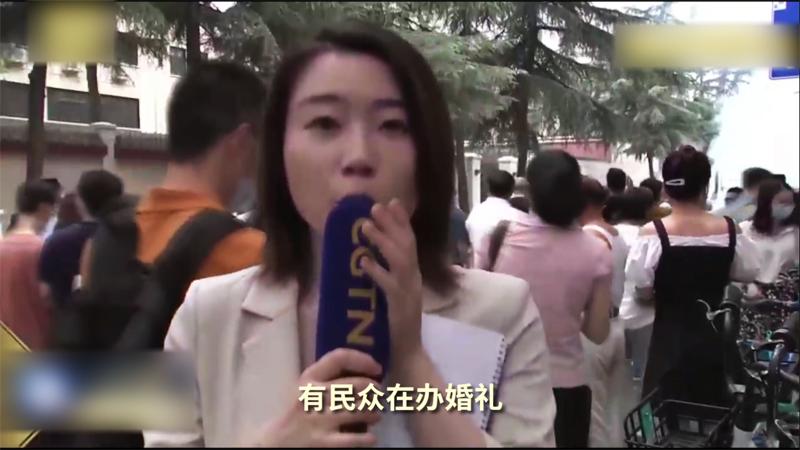 Nữ phóng viên của CGTN đã nói dối trước ống kính máy quay là có người tổ chức hôn lễ cho nên mới đốt pháo.