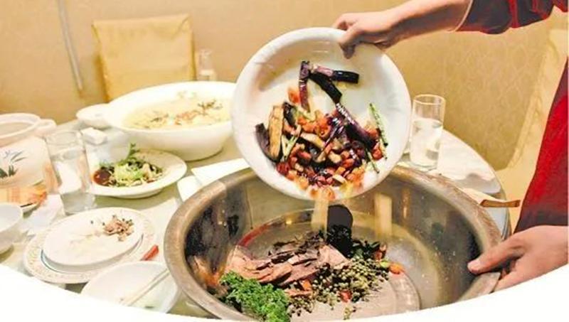 Chống lãng phí thức ăn: Truyền Thông Trung Quốc 'làm lố' khiến cư dân mạng chỉ trích (ảnh 1)