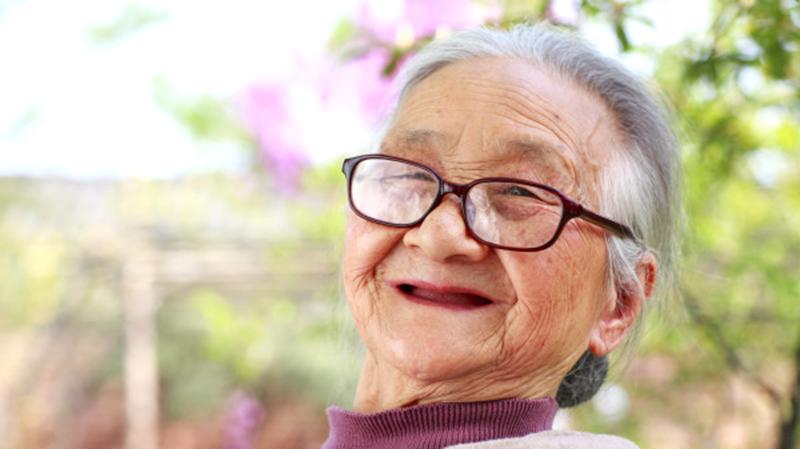 Bà lão khai mở 'con mắt thứ 3', thường kể những chuyện ly kỳ cổ quái (ảnh 1)