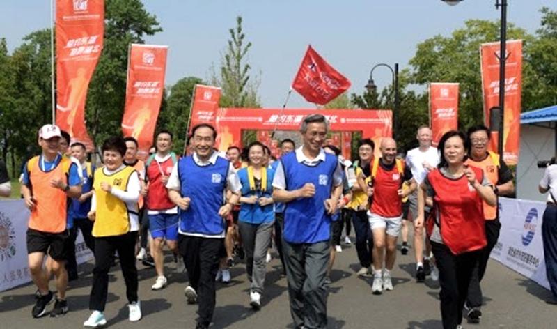 Trung Quốc đẩy mạnh tuyên truyền để viết lại lịch sử cho đại dịch Vũ Hán  (ảnh 2)