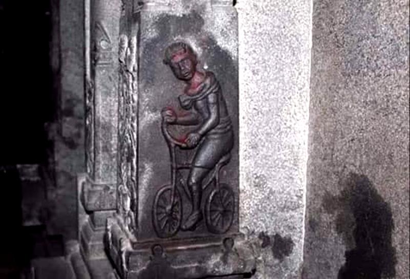 Phải chăng xe đạp và điện thoại di động là do người ngoài hành tinh mang đến trái đất? (ảnh 4)