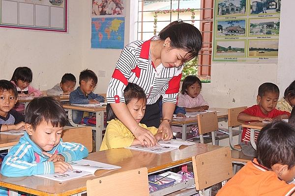 Kỷ luật cô giáo phê phán SGK lớp 1