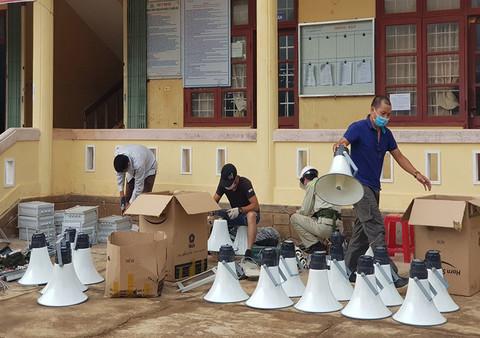 Vingroup ủng hộ 330 tỷ cho miền Trung bão lũ và người nghèo