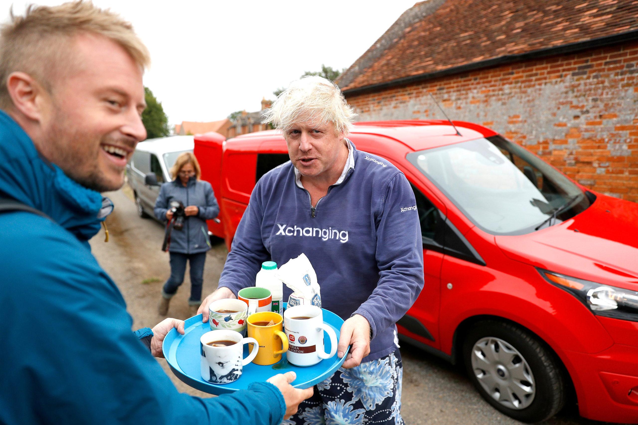 Chê lương thấp, Thủ tướng Anh cân nhắc từ chức - Ảnh 2