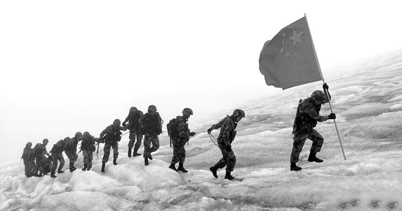 Không có đồ phòng hộ cơ bản, lính biên phòng Trung Quốc bị tia cực tím làm bỏng nặng  (ảnh 2)