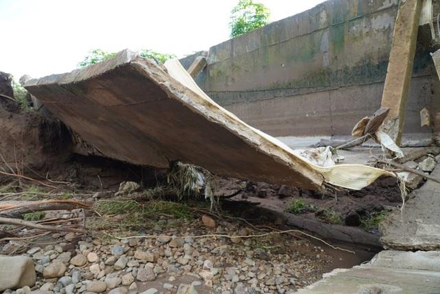 Gia Lai: Công trình trăm tỷ vừa xây đã hỏng, sửa xong lại hỏng - Ảnh 2