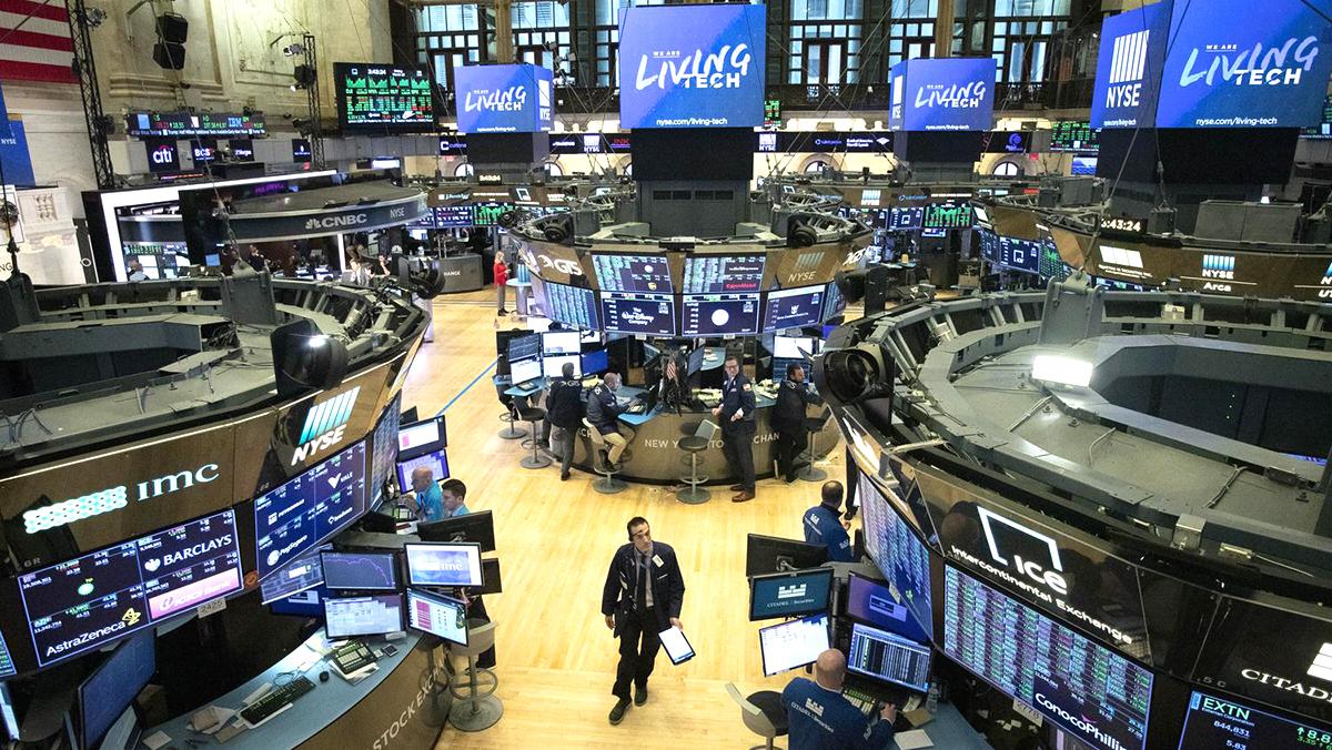 TT Trump vừa dương tính với Covid-19, chỉ số chứng khoán Dow Jones lập tức giảm 500 điểm  (ảnh 1)