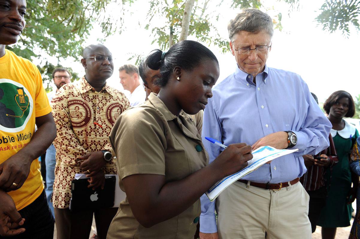 Quỹ Gates đã rót 10 tỷ cho 3 tổ chức lớn khác nhau, từ đó tăng cường khả năng tiếp cận với vaccine và thuốc men cho người dân tại các quốc gia đang phát triển
