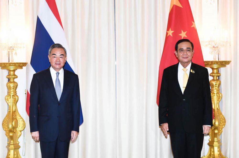 Vương Nghị thăm Thái Lan: Ủng hộ ổn định xã hội trong bối cảnh biểu tình leo thang