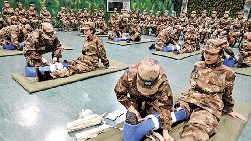 Quân đội TQ tuyển một lượng lớn sĩ quan kỹ thuật nhưng lại bắt đóng lệ phí đăng ký (ảnh 1)