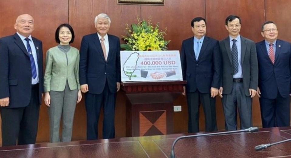 Đài Loan hỗ trợ Việt Nam 400.000 vì miền Trung lũ lụt