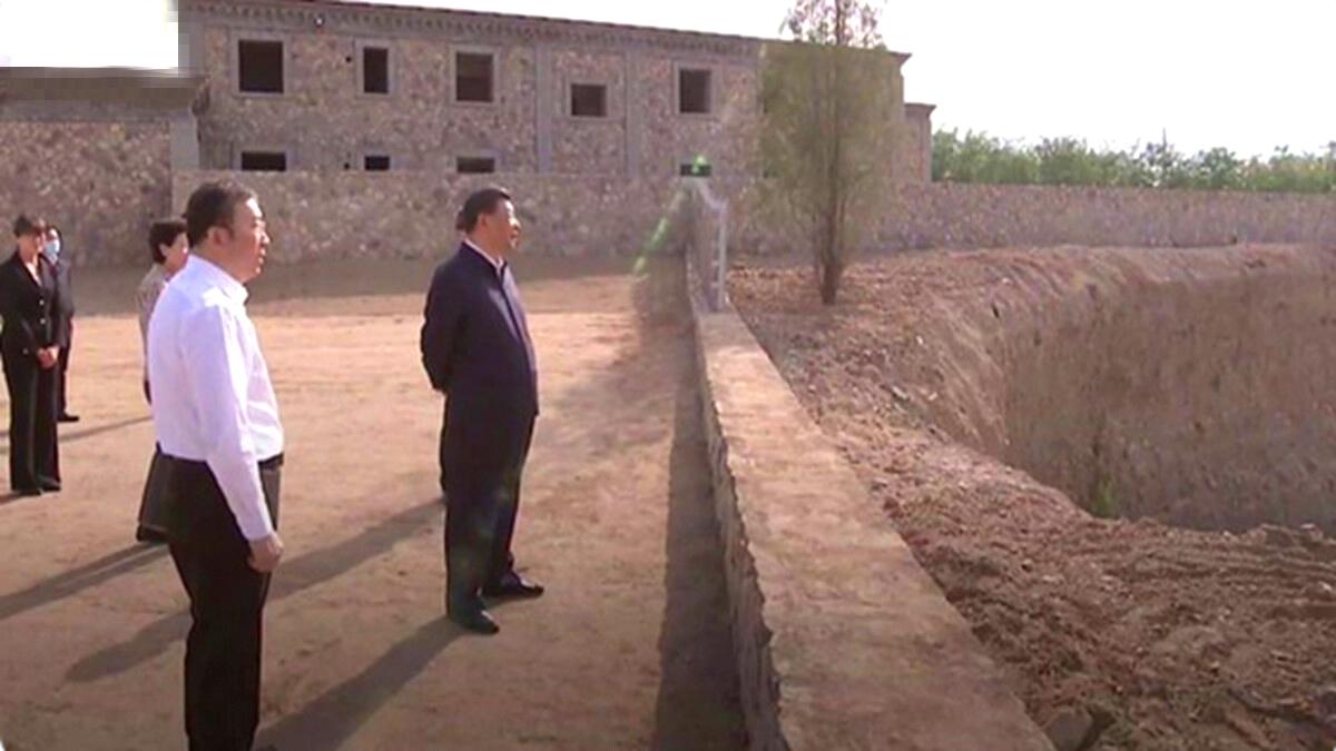 Vào ngày 8/6, Tập Cận Bình đã đến thăm Ngân Xuyên, Ninh Hạ, và sự hiện diện của ông trước một cái hố lớn đã gây ra nhiều suy đoán.