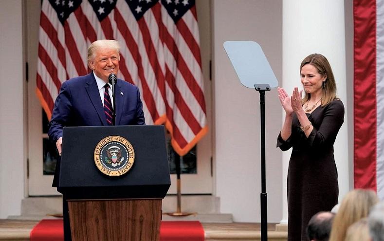 Tổng thống Donald Trump tuyên bố bà Amy Coney Barrett à ứng cử viên của ông vào Tòa án Tối cao, tại Vườn Hồng Nhà Trắng vào ngày 26/9/2020.