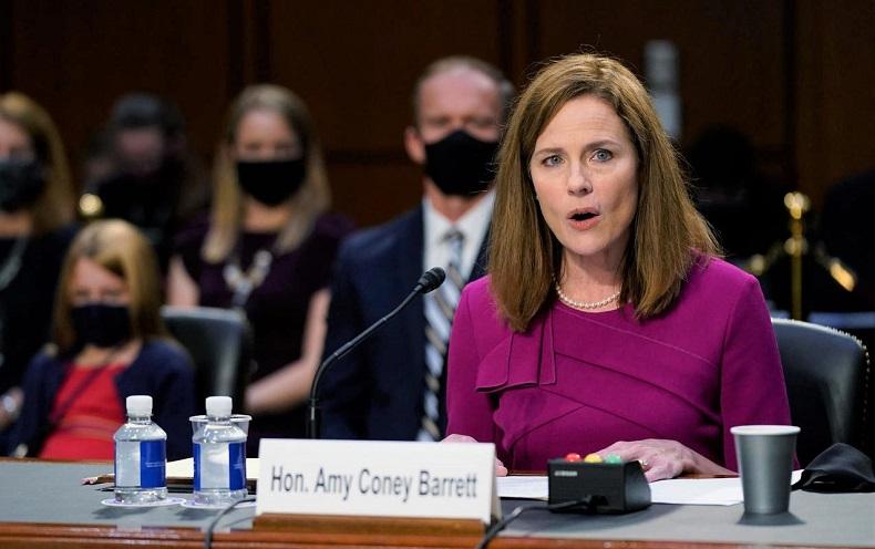 Ứng viên được đề cử vào Tòa án Tối cao Amy Coney Barrett phát biểu trong buổi điều trần xác nhận trước Ủy ban Tư pháp Thượng viện trên Đồi Capitol ở Washington vào ngày 12/10/2020