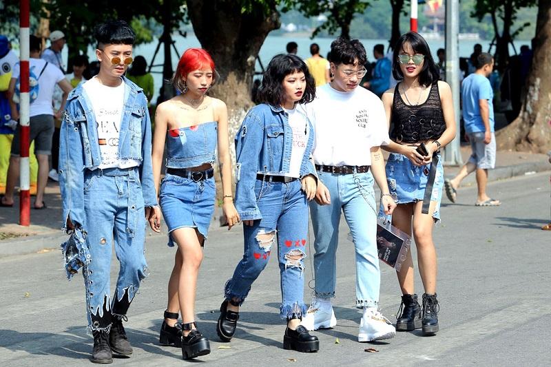 Từ đầu tóc đến phong cách ăn mặc quái dị của nhiều người trẻ hiện nay, toàn bộ đều bị thao túng bởi Illuminati