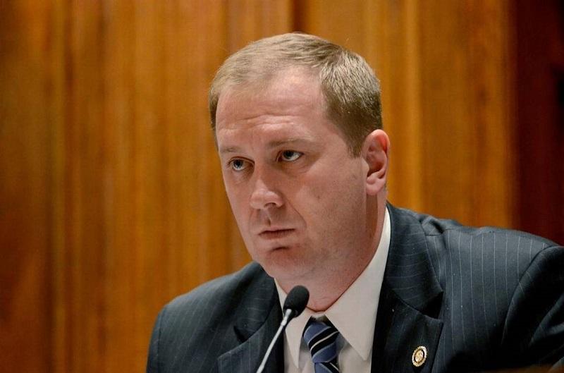 Liên minh 10 Tổng Chưởng lý thúc dục Tòa án Tối cao đảo ngược quyết định của Pennsylvania.