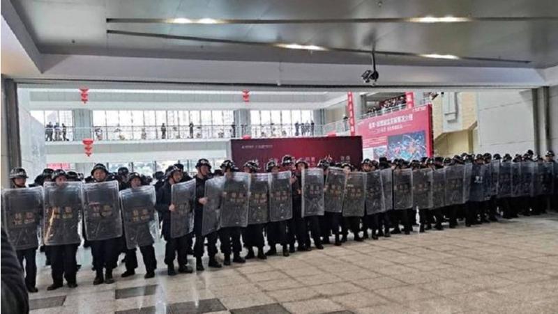 Trung Quốc: Hàng ngàn tiểu thương biểu tình phản đối chính quyền tăng tiền thuê lên gấp 5 lần