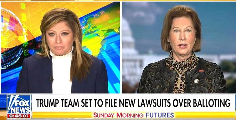 Sidney Powell (phải) đã có buổi phỏng vẫn trực truyến trên Fox News
