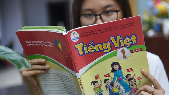 Dư luận chì chiết tài liệu bổ sung SGK Tiếng Việt 1 bộ Cánh Diều: Làm cho có!