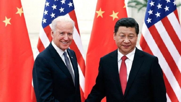 Ứng cử viên đảng Dân chủ Joe Biden dưới cương vị phó tổng thống Mỹ trong một cuộc gặp với Chủ tịch Trung Quốc Tập Cận Bình vào năm 2015